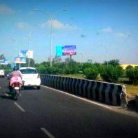 Gipmallnoida Unipoles Advertising in Delhi – MeraHoardings