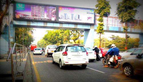 Greaternoida Arches Advertising in Delhi – MeraHoardings