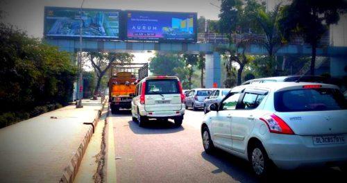 Akshardham Arches Advertising in Delhi – MeraHoardings