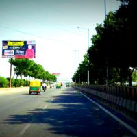 Cngpumpnoida Unipoles Advertising in Delhi – MeraHoardings